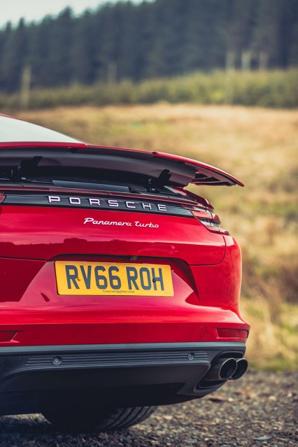 Porsche_Panamera_Turbo1
