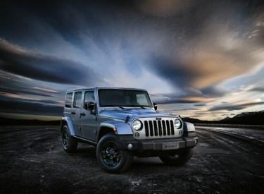arriva-in-italia-la-jeep-wrangler-black-edition-150224_jeep_wrangler-black-edition_01