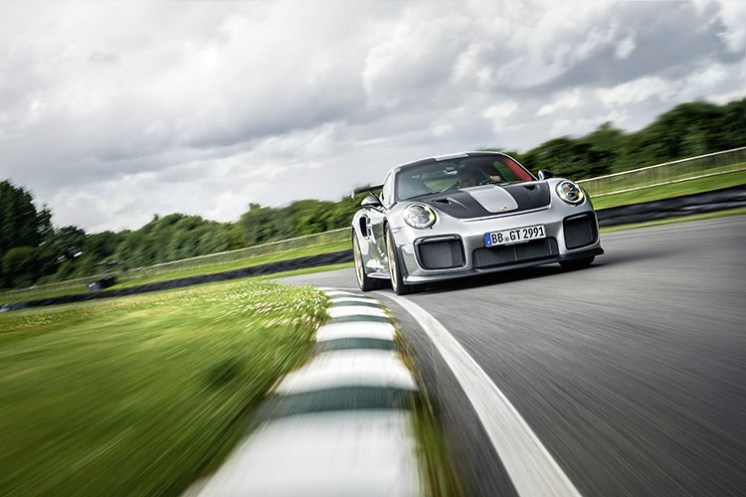 Porsche 911 GT2 RS_3