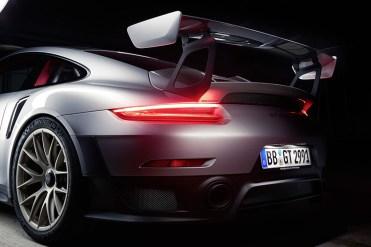 Porsche 911 GT2 RS_4