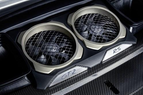 Porsche 911 GT2 RS_5
