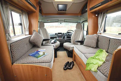 Lounge in the Auto-Trail Excel 670B