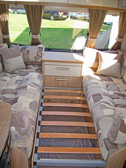 Pull-out bed in the Amara