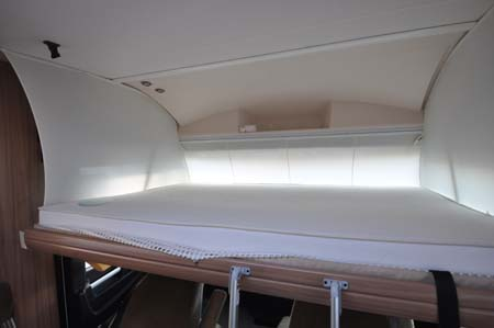 Pilote Reference G690LR Motorhome - sleeping arrangements
