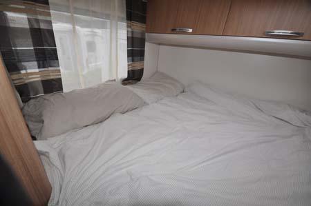 Sunliving A49 DP motorhome bedroom