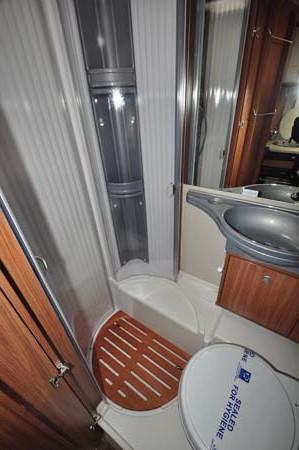 Carado T337 Motorhome Shower Room