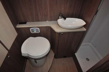 Burstner Ixeo Time IT590 Shower Room