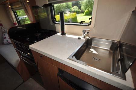Auto-Trail Imala 720 kitchen