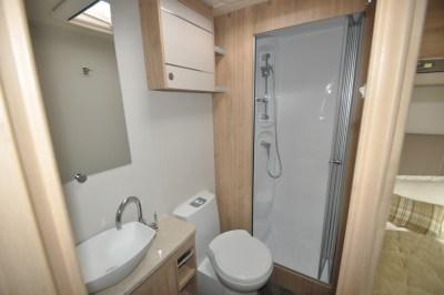 Elddis Avante 840 washroom