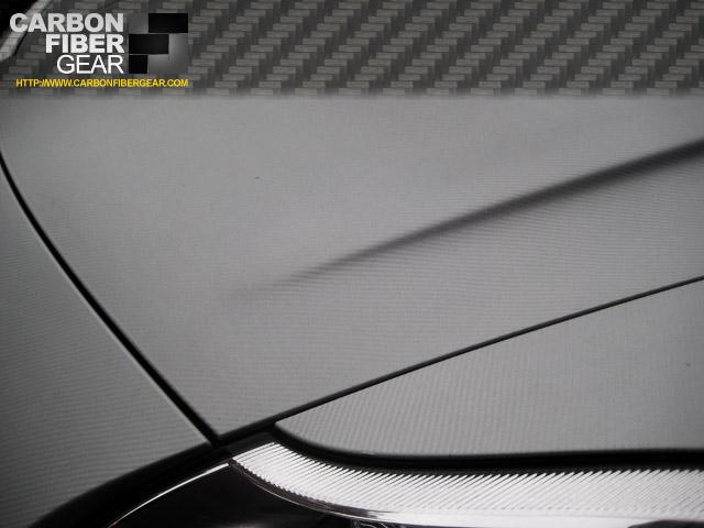 Porsche Cayenne with white carbon fiber 3M DI-NOC