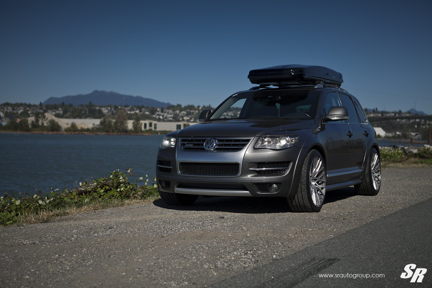 Imposing Gray Vw Touareg Shod In Chrome Wheels Caridcom