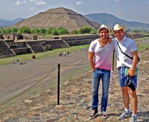 Héctor y CarlosdeViaje en Teotihuacán