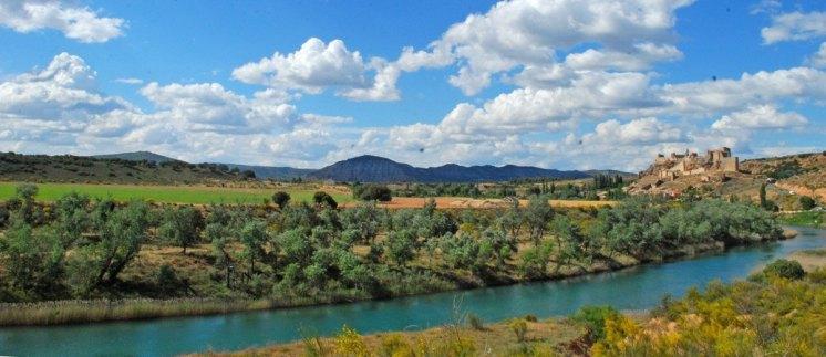 El Río Tajo y el Castillo de Zorita de los Canes