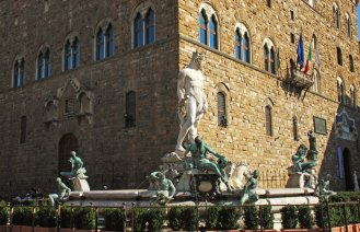 Neptuno y el Palazzo del Comune