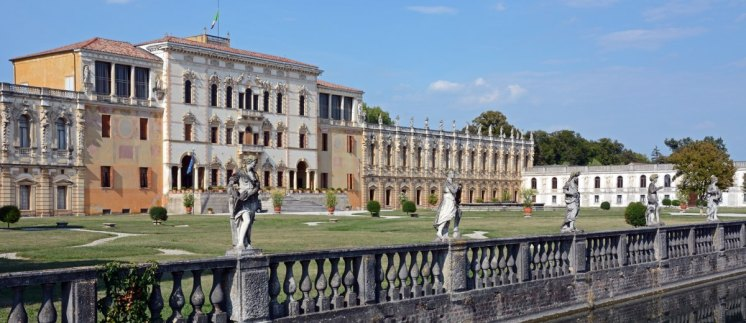 Villa Contarini. Vista General