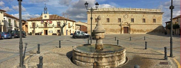 Plaza Mayor de Cogolludo - Ayuntamiento y Palacio Ducal