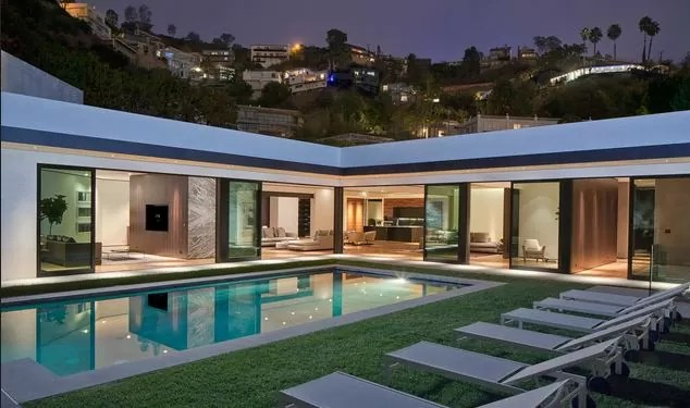 Wilshire corridor real estate wilshire corridor condo for Luxury homes in hollywood hills