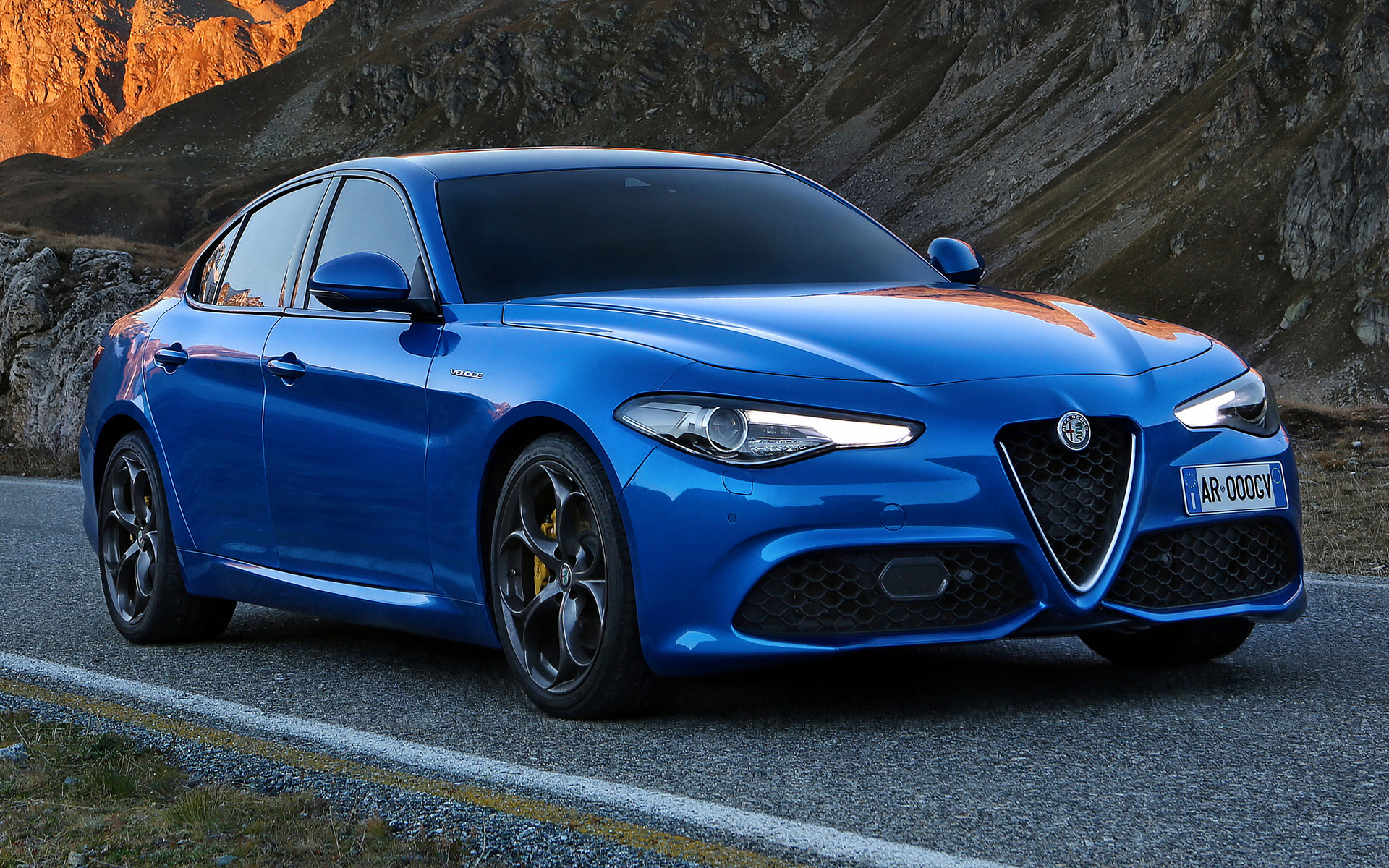 Suzuki Car Wallpaper 2016 Alfa Romeo Giulia Veloce Wallpapers And Hd Images