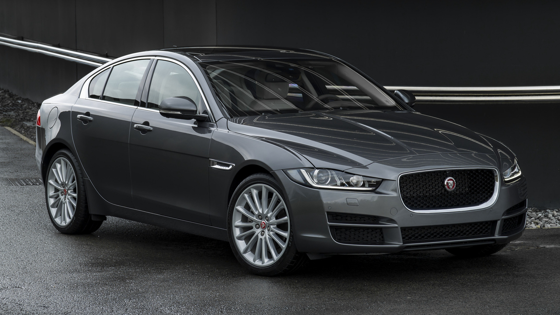 Black Jaguar Car Hd Wallpapers Jaguar Xe 2015 Wallpapers And Hd Images Car Pixel