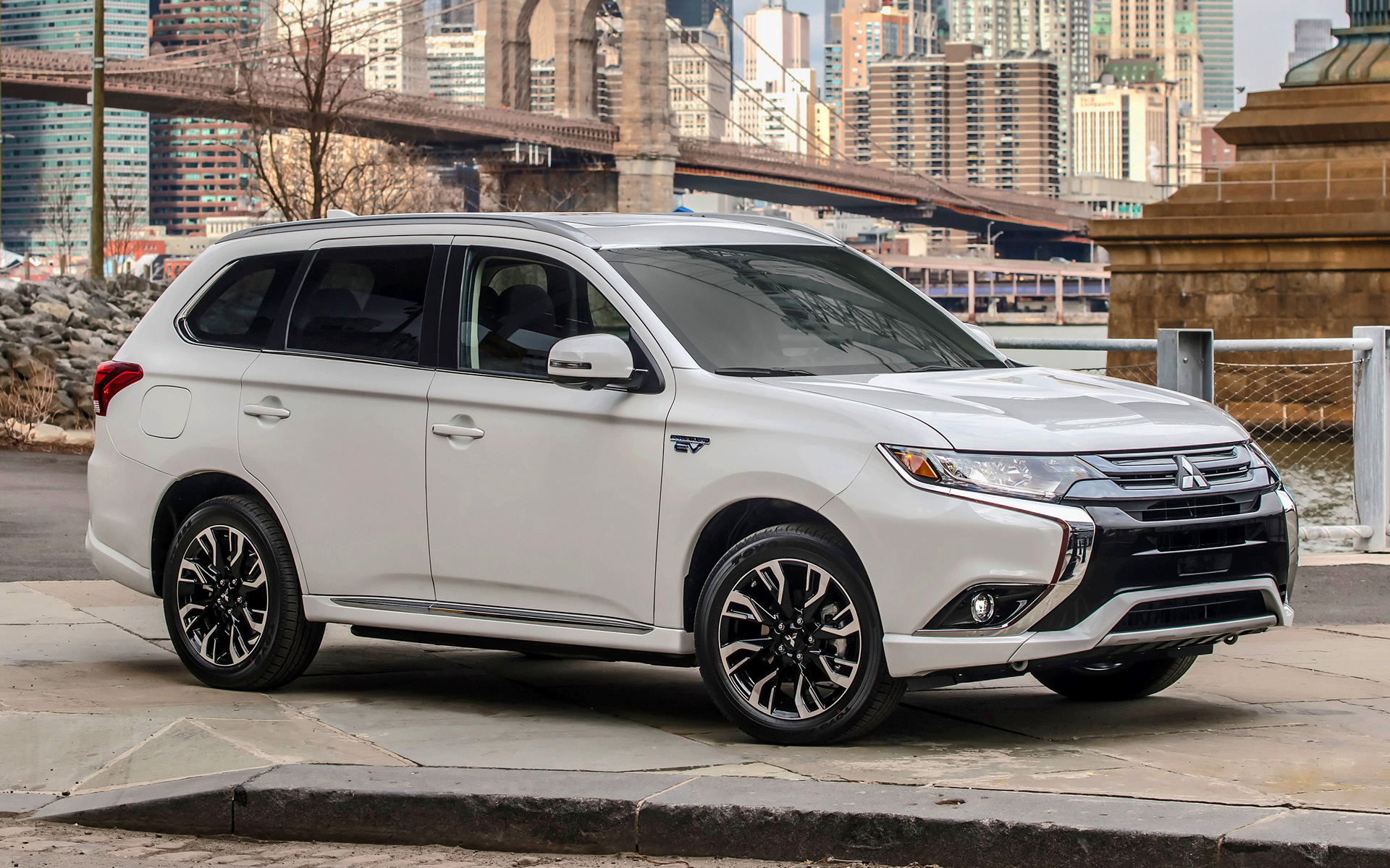 Genesis Car Wallpaper Mitsubishi Outlander Phev 2017 Us Wallpapers And Hd