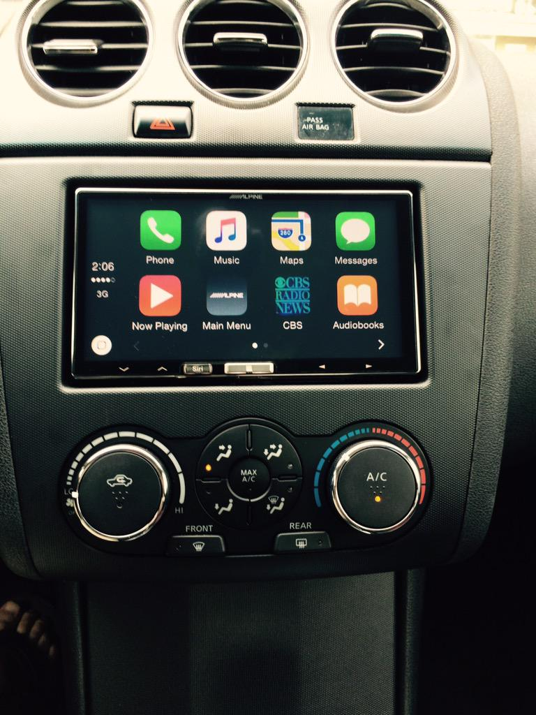 how to use apple car play in nissan