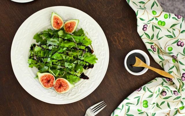 Baby Kale and Arugula Fig Salad with Balsamic Glaze