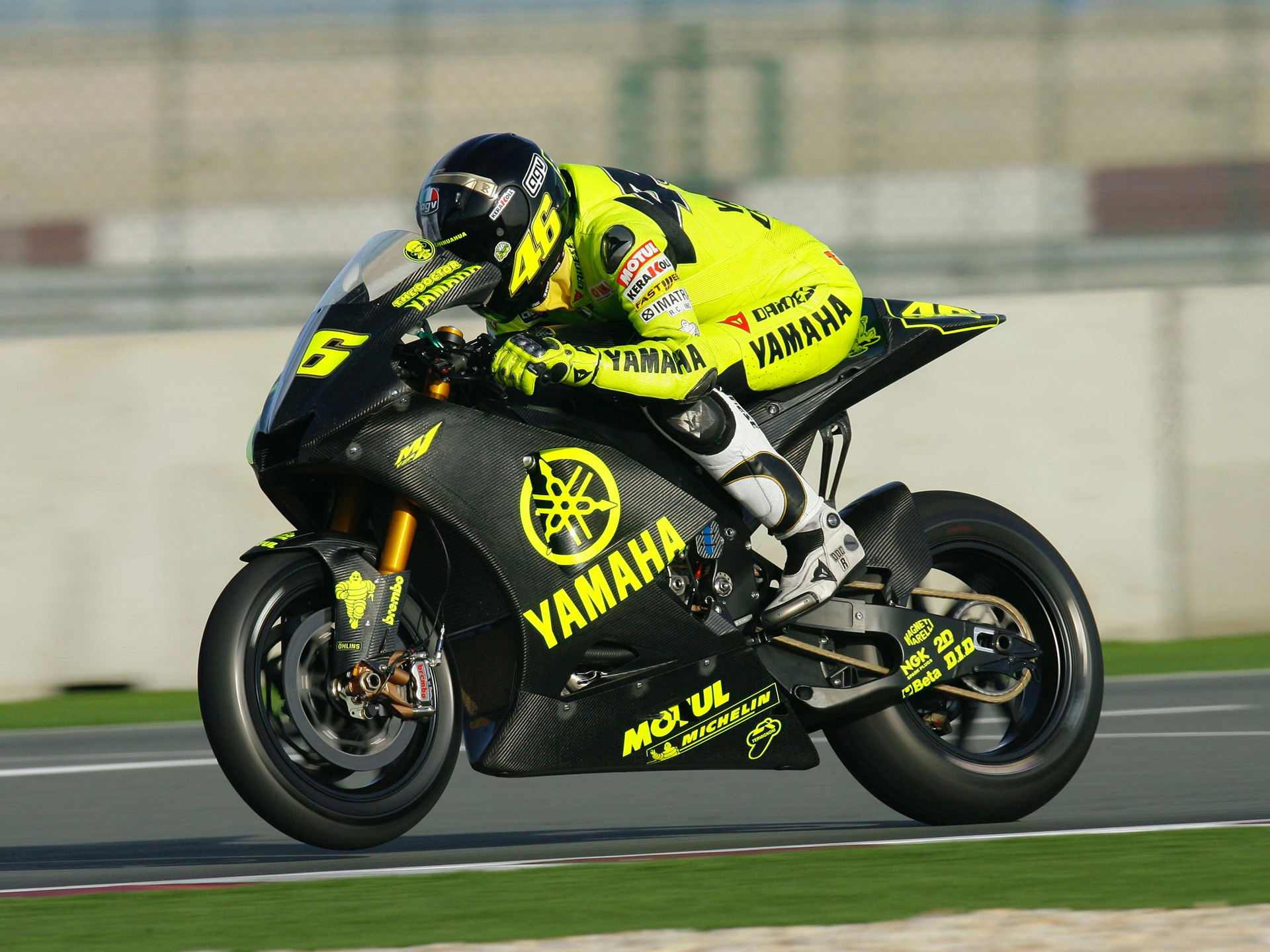 Car Wallpaper For Mobile Yamaha Yzr M1 Photos Photogallery With 9 Pics Carsbase Com