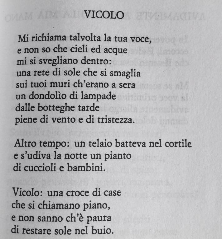 La poesia del giorno vicolo salvatore quasimodo - Poesia specchio di quasimodo spiegazione ...