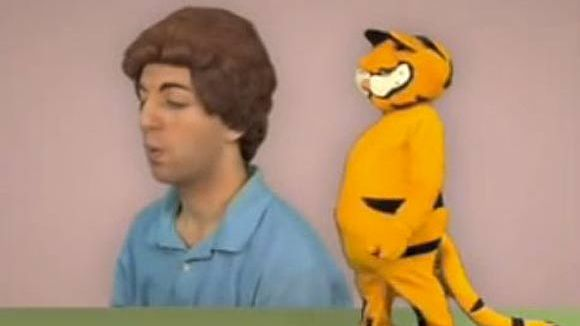 "The Lasagna Cat video ""4/16/2007"""