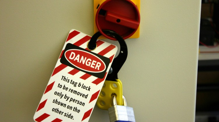 lockout/tagout, LOTO prodecures, lockout, tagout, danger, equipment safety, employee training, lock, tag, safety