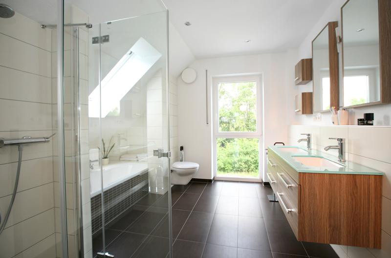 Farbgestaltung Bad ~ Alles Bild für Ihr Haus Design Ideen - badezimmer farbgestaltung