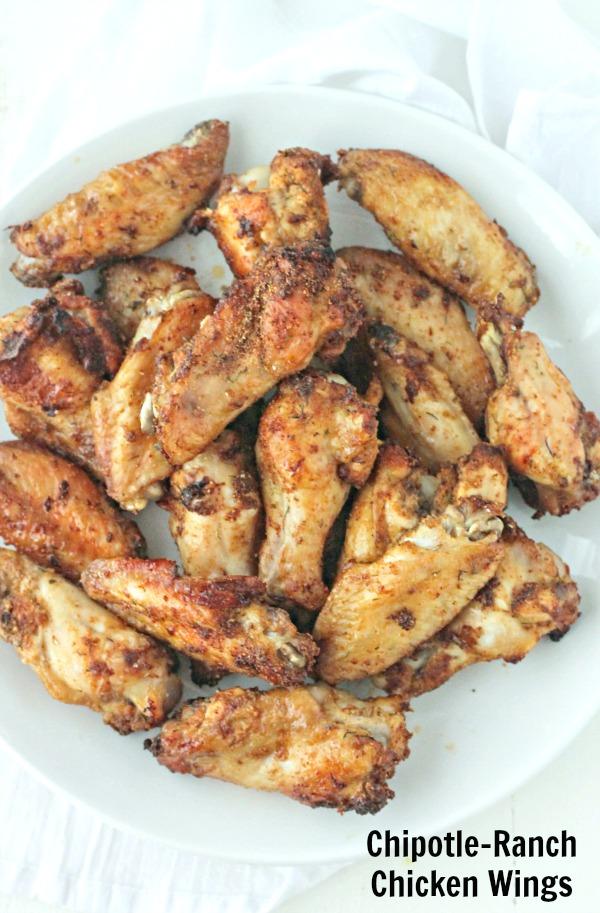 Chipotle Ranch Wings | casadecrews.com
