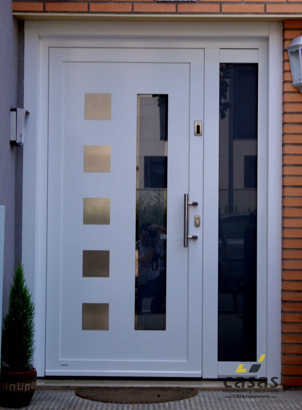 1000 images about doors on pinterest for Puertas metalicas exterior