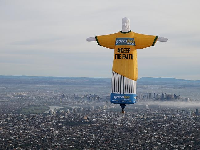 Rio De Janeiro Jesus Statue Hd Wallpaper World Cup Promo Sparks Outrage With Melbourne Jesus Balloon
