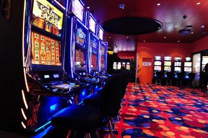 Casino Safir Crystal dual IGT