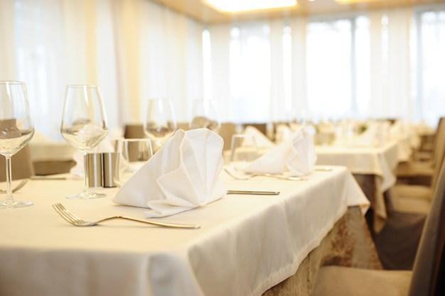 Restaurant Carat setting