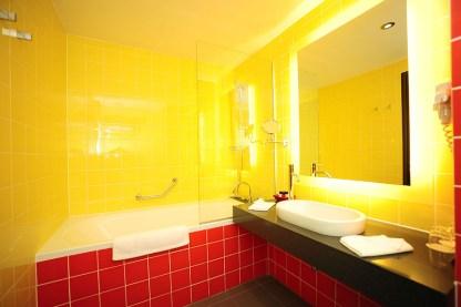 Hotel Safir kopalnica soba