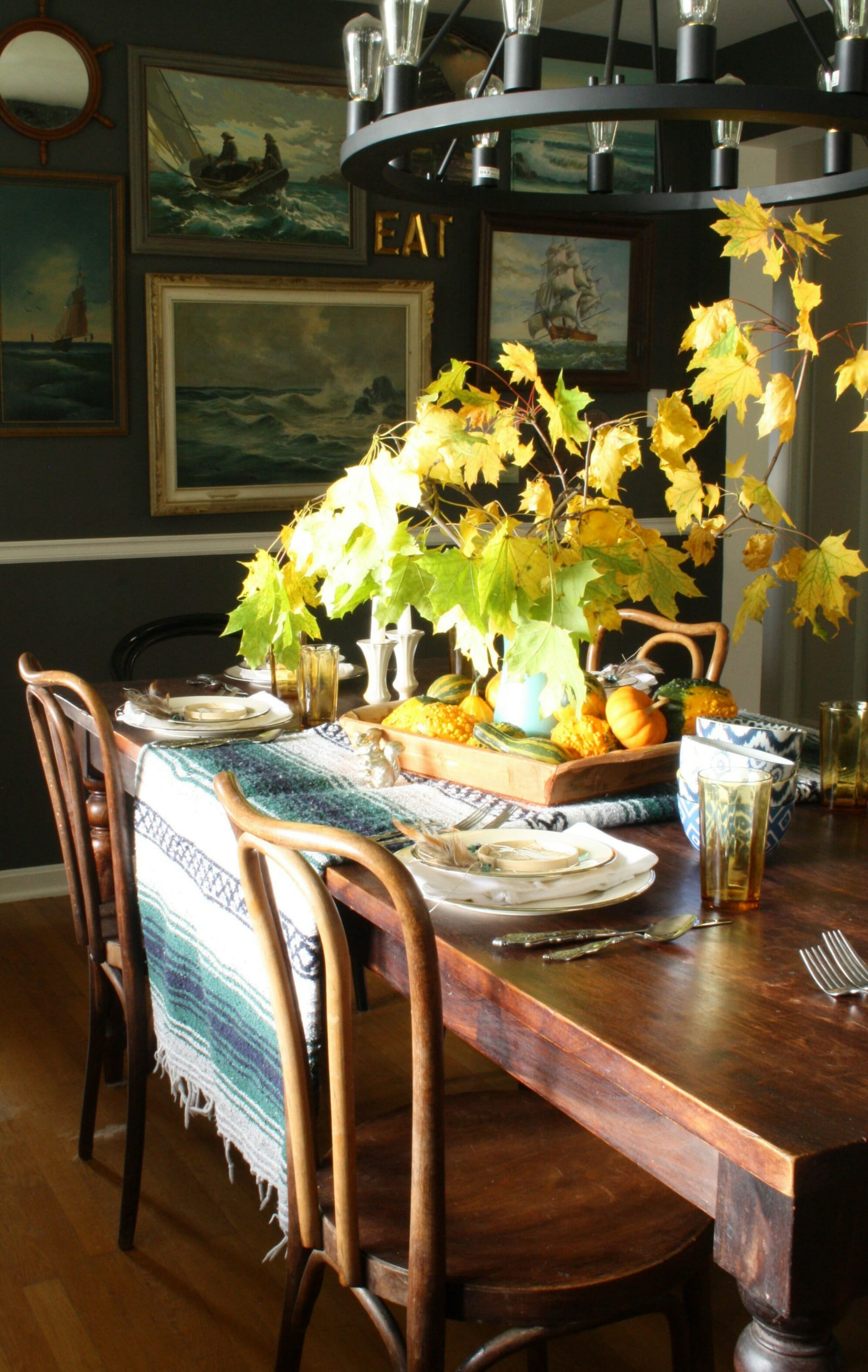 Inexpensive thanksgiving table ideas cassie bustamante for Inexpensive thanksgiving table decorations