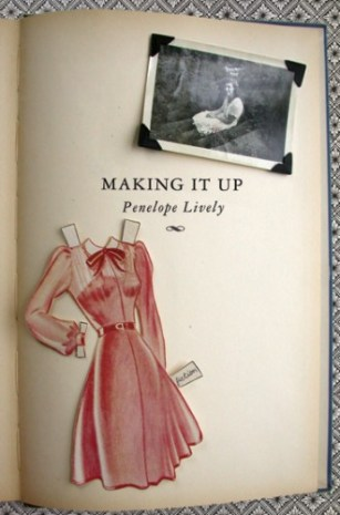 Making It Up by Penelope Lively; design by Helen Yentus (Penguin 2006)