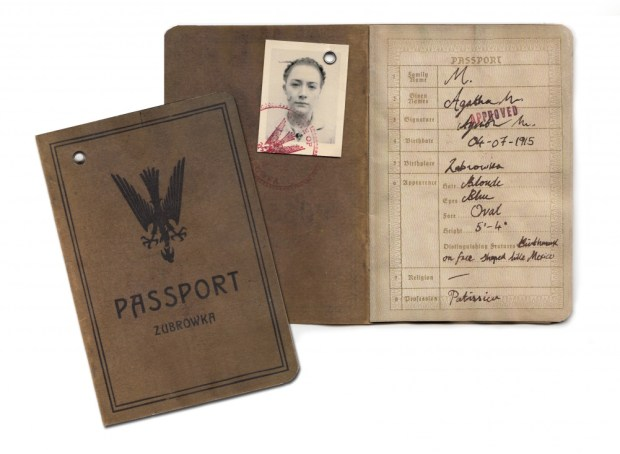 agatha-passport-1002x733