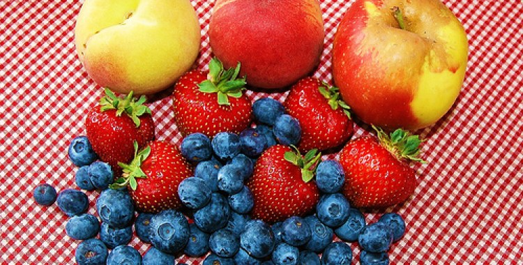 5 tips to encourage your kids to eat more fruit