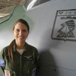 Pela primeira vez uma mulher comanda helicóptero de ataque da FAB