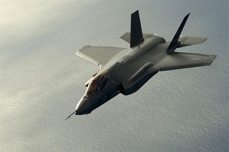 F-35A: nariz lento... (Imagem: USAF)