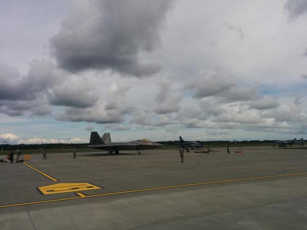 F-22 estônia #1