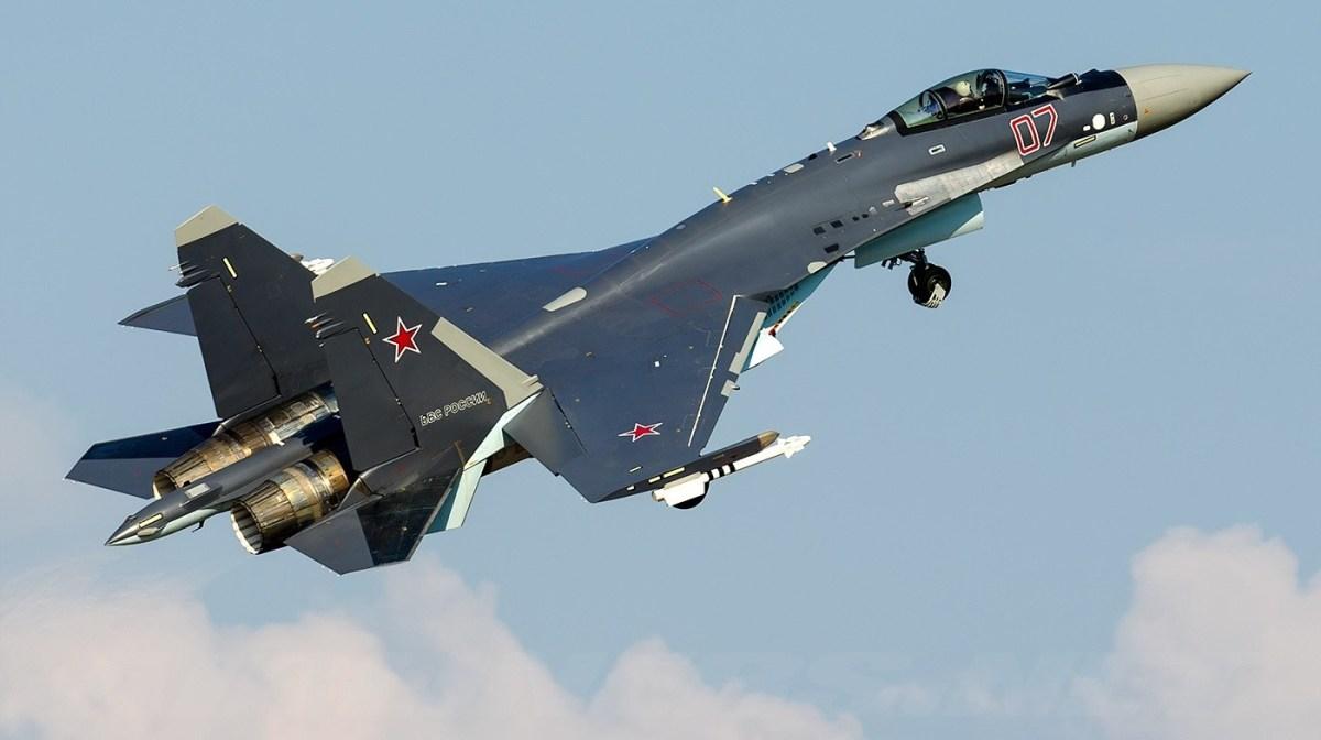 VÍDEO: Sukhoi Su-35S na MAKS 2015