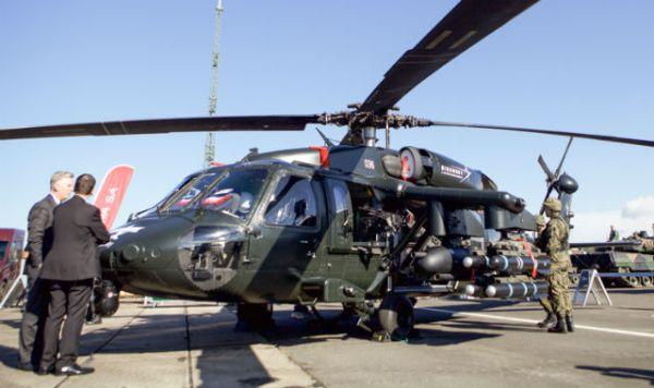 O helicoptéro armado S-70i da Sikorsky PZL Mielec, exposto na Anaconda. (Foto: Krzysztof Trzaski / PZL Mielec)