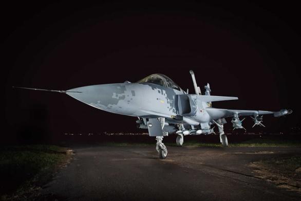 O mockup em tamanho real do Gripen NG ficará exposto no Shopping Iguatemi, em Brasília, até o dia 31 de julho. (Foto: Sgt. Johnson / Agência Força Aérea)