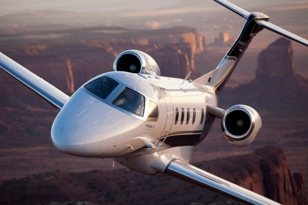 O jato executivo Phenom 300 da Embraer.