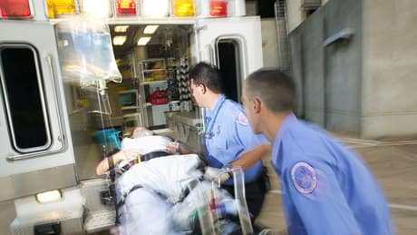 Quebec ambulance technicians could strike during holiday season