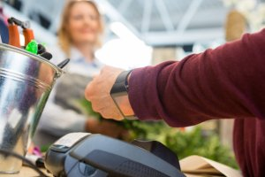 Contactless payment using smart watch